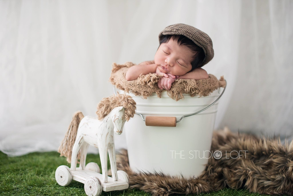 The studio loft is a boutique photography studio in singapore that boasts an all women team they specialise in maternity newborn and family photography