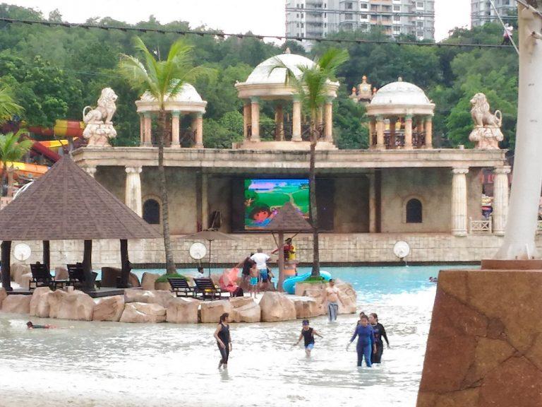 sunway lagoon - surf stage dora show