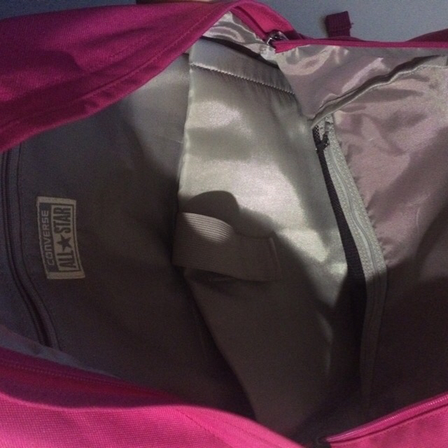 e4605525c029 WTS  Authentic converse backpack - in like new condition ...