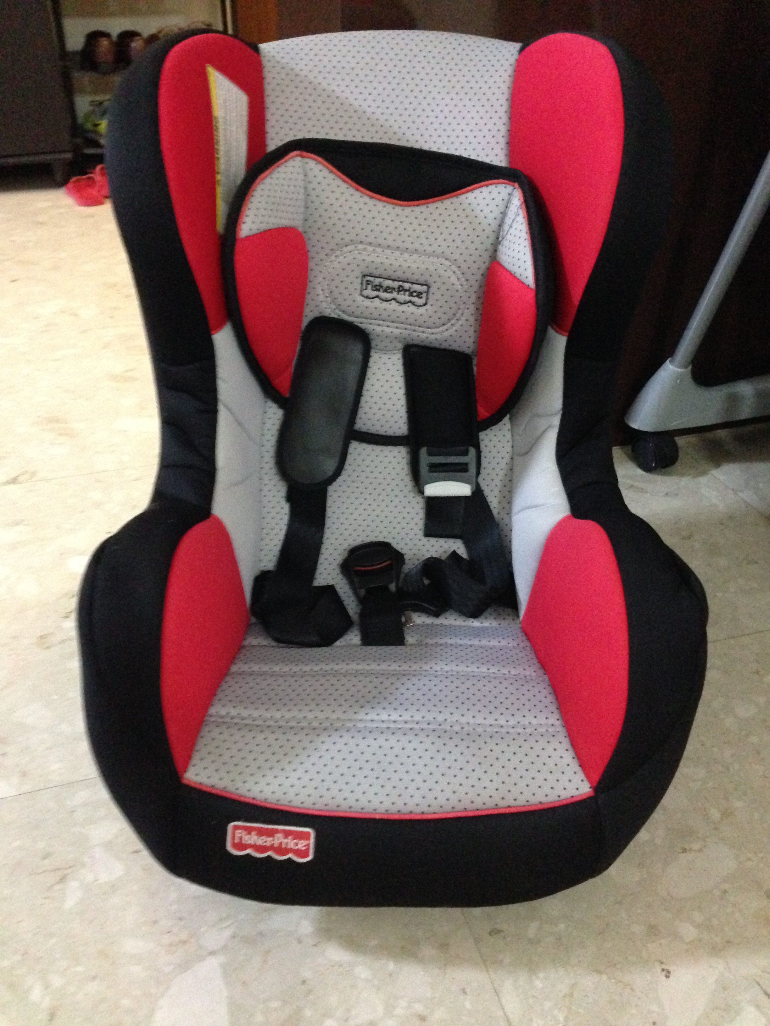 Preloved Fisherprice Car Seat Letting Go At 20 In Good Condition Suitable For Toddlers Children Weight Up To 18kg