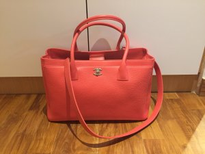 1fd51ef98f498a Comes with Dust bag, Bag, Authentication card, Receipt Bought last year  April. Very good for working executives or mummies as it is very spacious